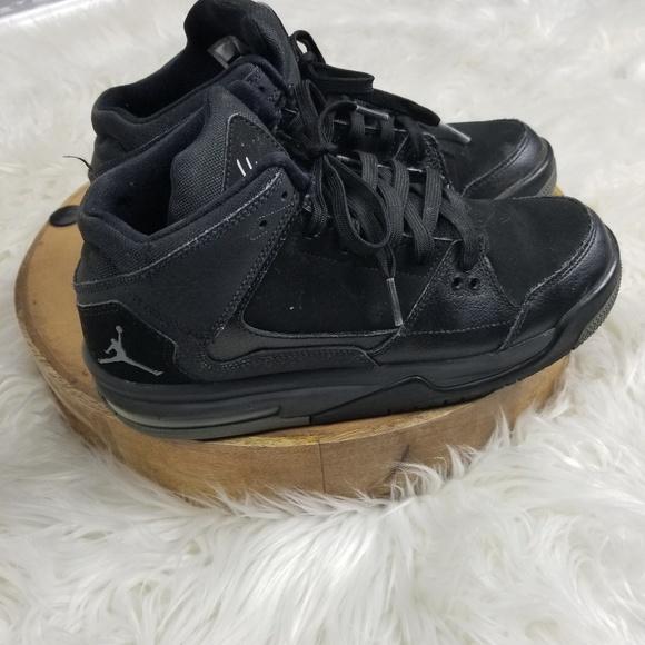 b569f73764832 Jordan Shoes - All black Jordans